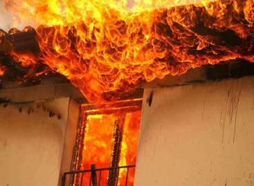 Casa in fiamme rischia la vita per salvare la sua xbox