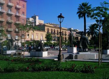 Foggia, accerchiano e aggrediscono 16enne disabile in Piazza Giordano