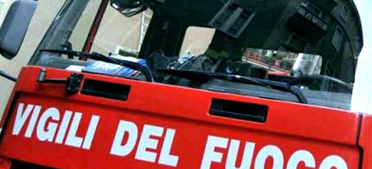 Carapelle, esplosione e fiamme in Largo delle Magnolie