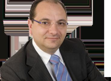 Angelo Riccardi, sindaco di Manfredonia, presunta irregolarità degli esami universitari