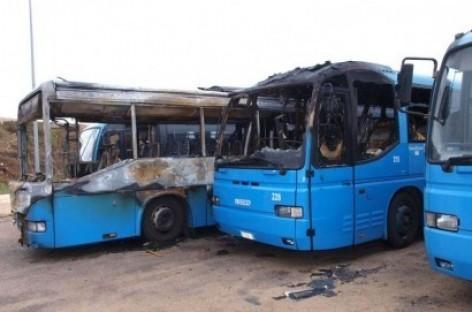 Ascoli Satriano, bus in fiamme e cause incerte