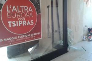 vetrata foggia tsipras vandalici