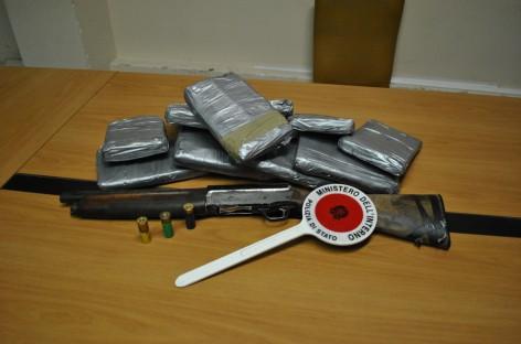 Manfredonia, sequestrati 13kg di cocaina e un fucile a canne mozze