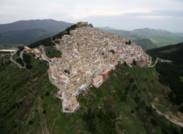 Sant'Agata di Puglia: VII Mostra di arte presepiale sulla vita di Gesu'