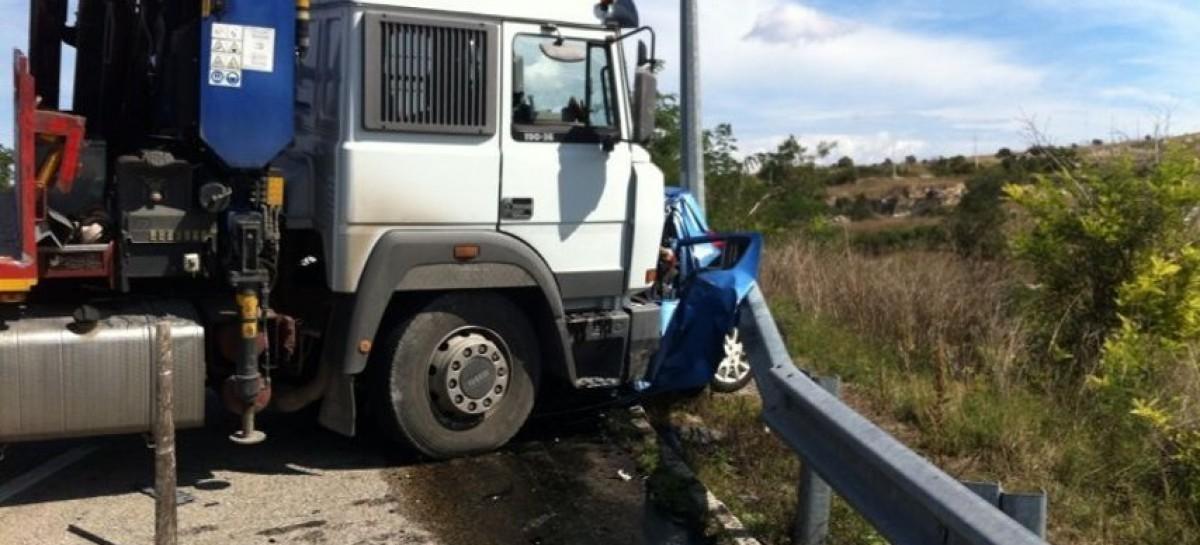 Manfredonia, grave bilancio a seguito di un'incidente stradale, un morto