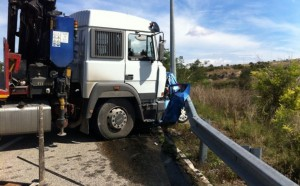 incidente tir mafredonia morto ss89