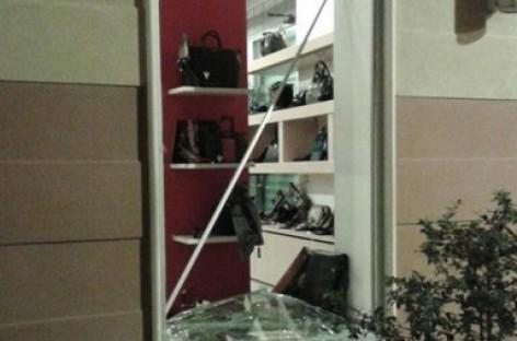 """Foggia, tentato furto al negozio """"Fallarino"""", ferito uno dei 3 malviventi"""