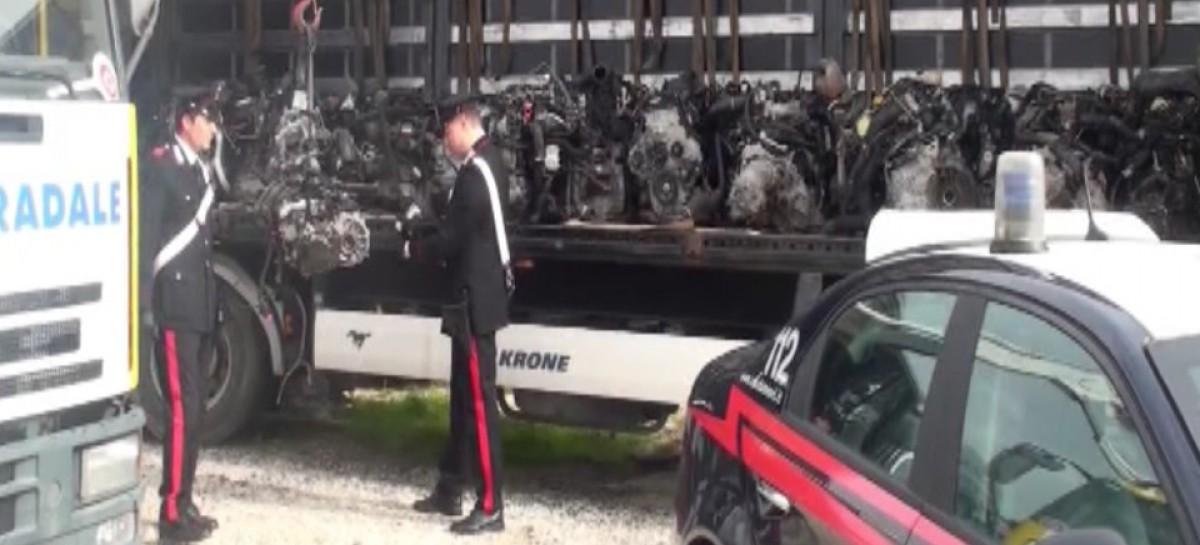 Manfredonia, fermato autotreno carico di motori di auto rubate