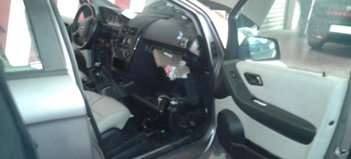 Cerignola, a bordo con un chilogrammo di cocaina, arrestato