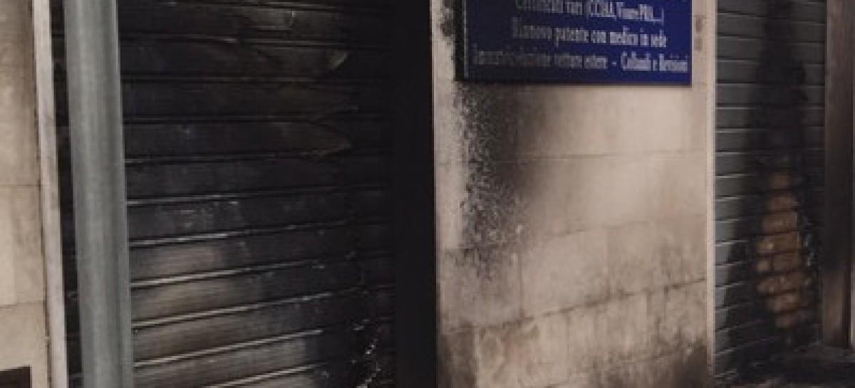 Incendiata saracinesca in Via Monfalcone a Foggia