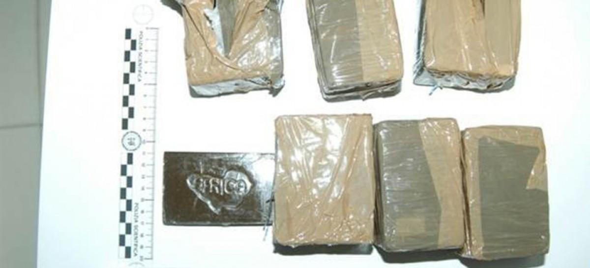 Cerignola, viaggiava con moglie, figli e 3kg di hashish: arrestato