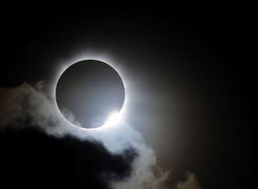 """Eclissi solare in arrivo, """"apice del buio"""" alle 10:30 del 20 Marzo"""