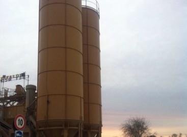 """Cerignola, ex dipendente della """"Beton Cifaldi"""" sale sulla torre e minaccia il suicidio"""