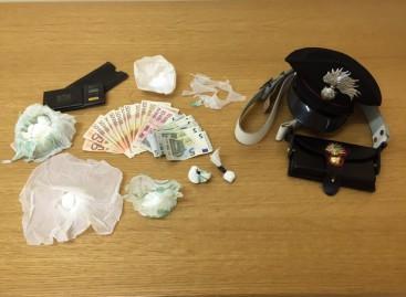 Cerignola, nonostante fosse ai domiciliari continuava l' attività di spaccio: arrestati