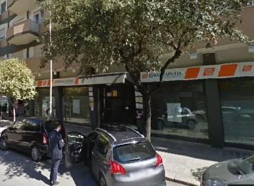 """Foggia, entra e rapina la """"Banca Apulia"""" di Via Torelli: scappa con """"5 euro"""""""