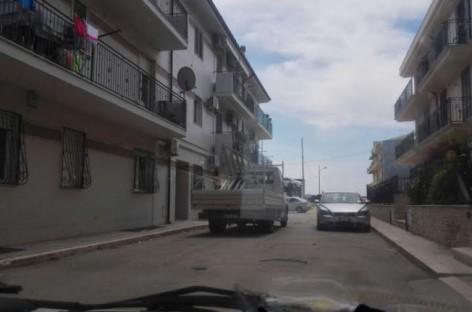 Lesina, bomba in un condominio in Corso Italia