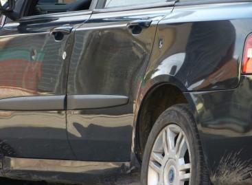 Foggia, esplosi sette colpi di pistola contro auto in transito in Via Mendolicchio