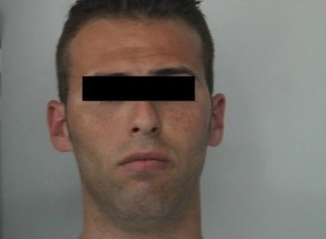 Cerignola, a bordo di un' auto rubata: arrestato
