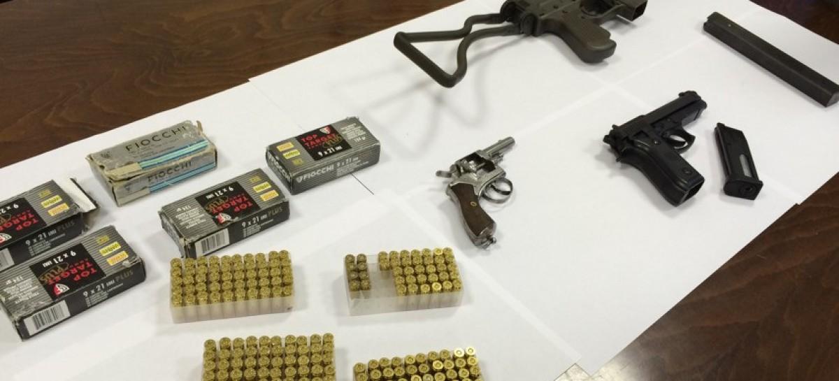 Torremaggiore, ritrovato arsenale in casa di un 27enne