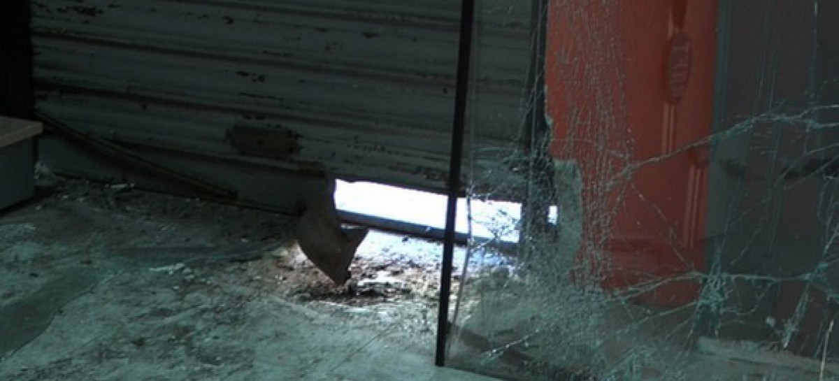 Foggia, ignoti fanno esplodere una bomba davanti alla saracinesca del Pro-Shop di Via Zodiaco