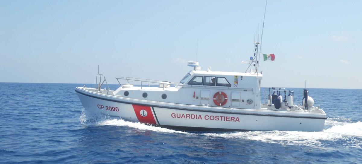 Vieste, pescatore 36enne scomparso in mare: peschereccio trovato alla deriva