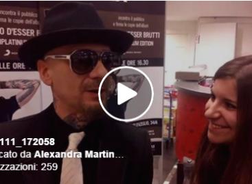 J-Ax saluta i giovani di Casalnuovo Monterotaro – VIDEO