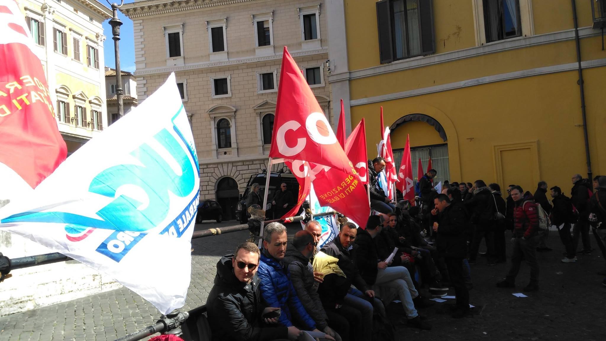 Sangalli Vetro, UGL Chimici: 'Oggi sit-in a Montecitorio e incontro al Mise per sito Manfredonia'