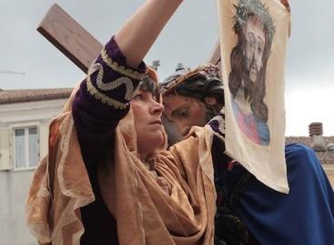 A Roseto la processione dei due mondi: in paese da Usa e Canada – 25 Marzo