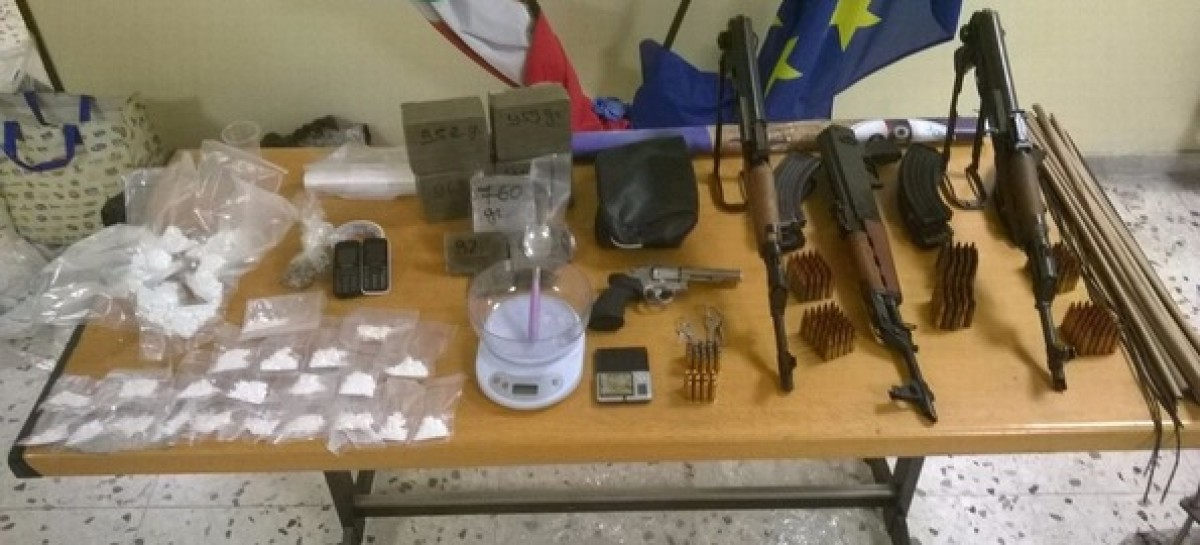 San Severo, droga e arsenale in un box: Arrestato un 40enne