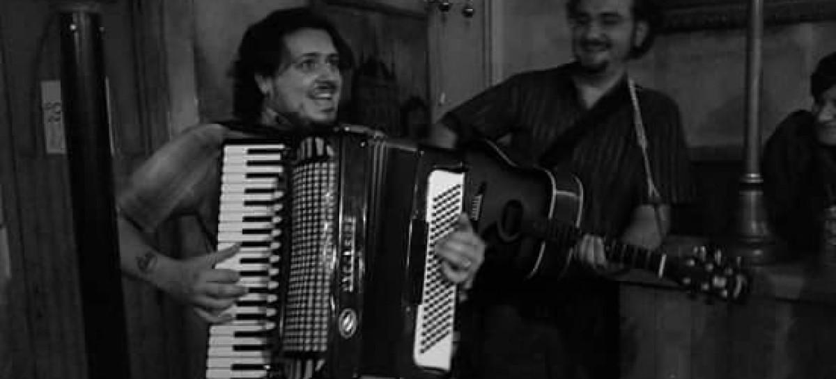 """La """"Unza Unza Band"""" fa ballare lo Skantinato. Tra musiche tradizionali dei Monti Dauni, ritmi gitani e danze etniche – 9 Aprile"""
