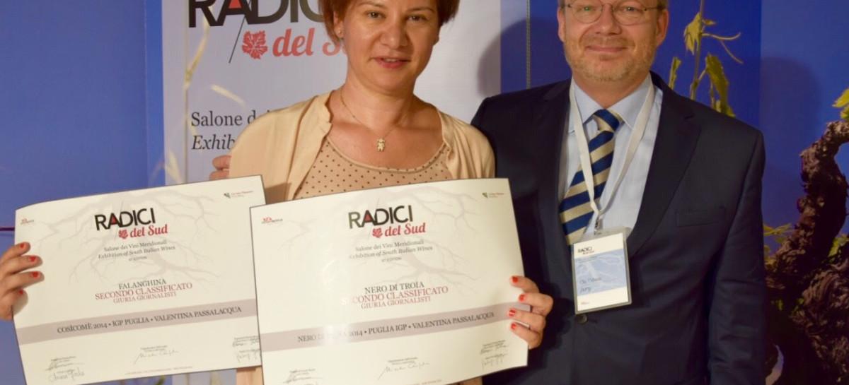 Valentina Passalacqua premiata a Radici del Sud con il Nero di Troia e il Cosìcomè