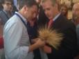 Grano, Cia Puglia consegna spighe di grano e proposte a Matteo Renzi