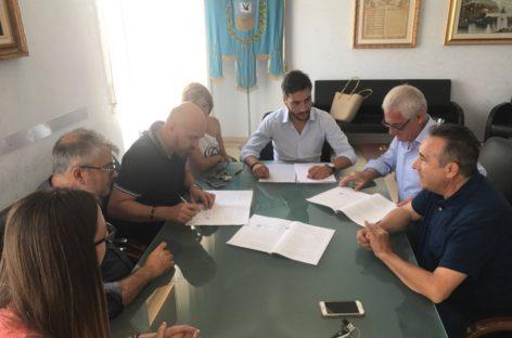 Zapponeta, firmata la convenzione tra il Comune e il Collegio dei Geometri. La prima in Provincia di Foggia