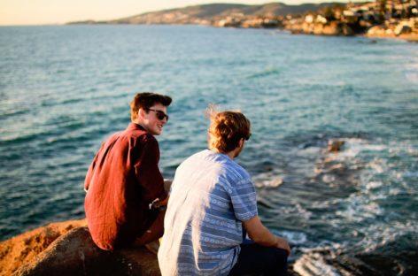 Cosa regalare all'amico che parte per l'estero