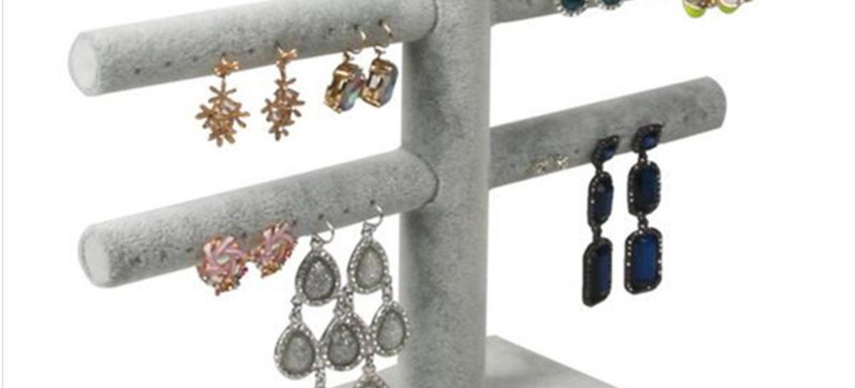 Varie tipologie di orecchini su spaziofoggia per Andrea Scutellaro