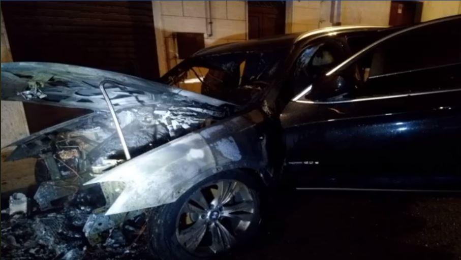 Foggia: a Cerignola incendiata l'auto del Capitano dei Carabinieri la malavita attacco le Forze dell'Ordine