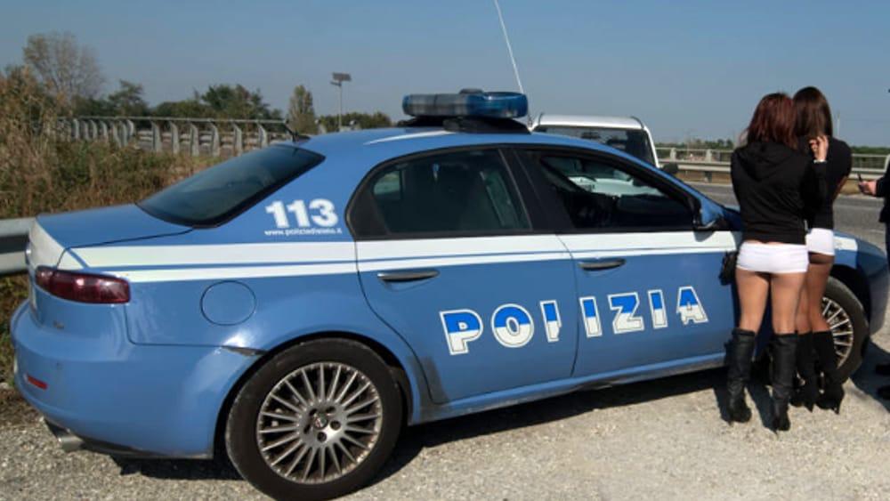 Foggia: un grosso giro di prostituzione da Foggia a Taranto il prete don Saverio Calabrese parroco di Monteparano arrestato