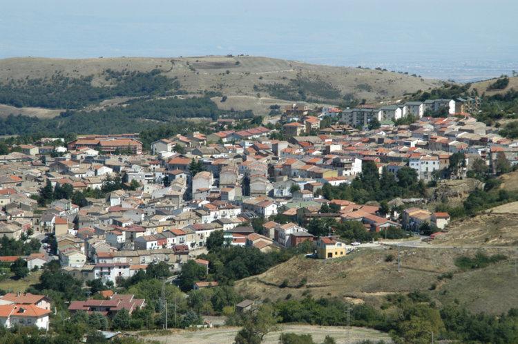 Orsara di Puglia: il piccolo Michele di otto anni muore soffocato da una corda stretta al collo accidentalmente