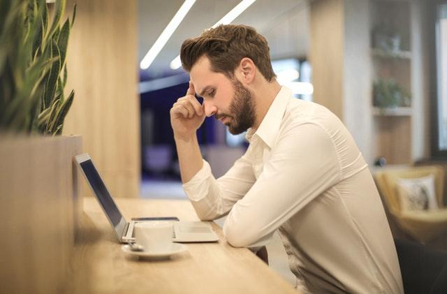 Come proteggersi dal trading patologico online?